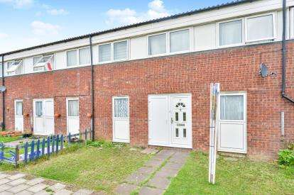 2 Bedrooms Terraced House for sale in Bounds Croft, Greenleys, Milton Keynes, Buckinghamshire
