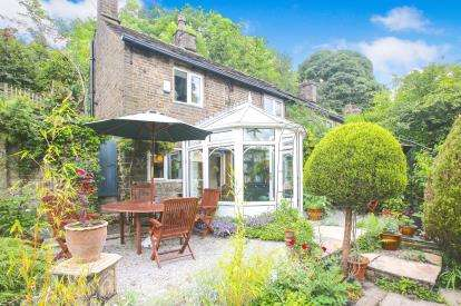 2 Bedrooms Semi Detached House for sale in Sycamore Road, Birch Vale, High Peak, Derbyshire