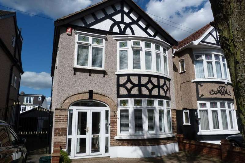 3 Bedrooms Semi Detached House for sale in Queenborough Gardens, Gants Hill, Ilford IG2 6YB