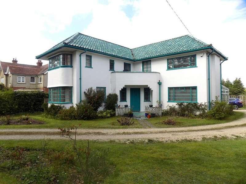4 Bedrooms Detached House for sale in Roman Road, Dibden Purlieu SO45