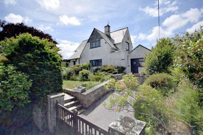 3 Bedrooms Detached House for sale in Trewirgie Hill, Redruth, Cornwall, TR15