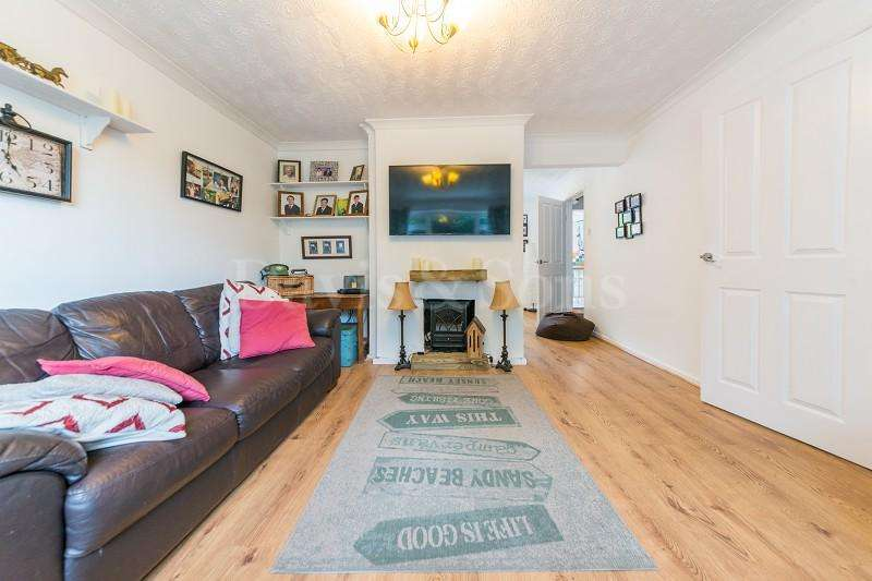 6 Bedrooms Detached House for sale in Moriah Hill, Risca, Newport. NP11