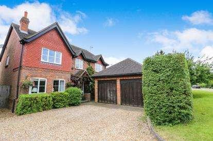 4 Bedrooms Detached House for sale in Tilsworth Road, Stanbridge, Leighton Buzzard, Bedfordshire