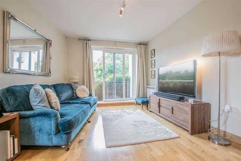 2 Bedrooms Apartment Flat for sale in Elder Court, Hertford