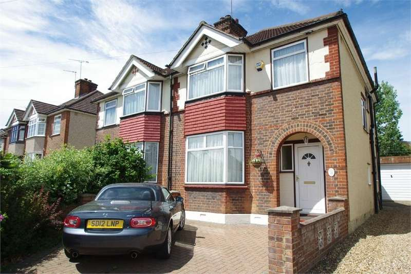 3 Bedrooms Semi Detached House for sale in Southfield Avenue, WATFORD, Hertfordshire
