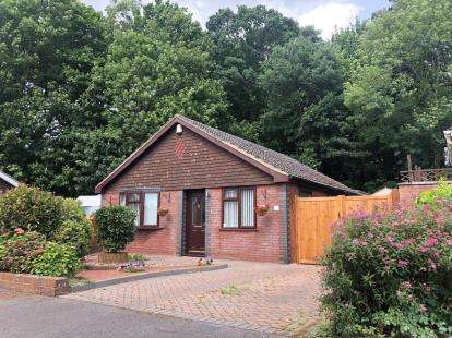 3 Bedrooms Bungalow for sale in Southampton, Hampshire, .