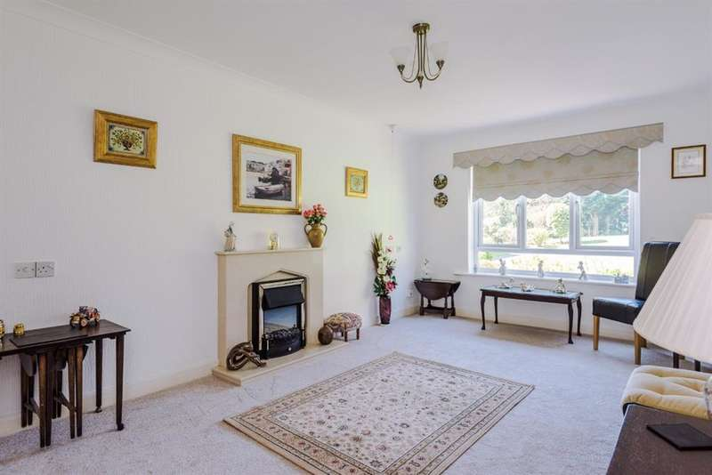 1 Bedroom Ground Flat for sale in Elmwood, Barton Road, Worsley, M28 2PF