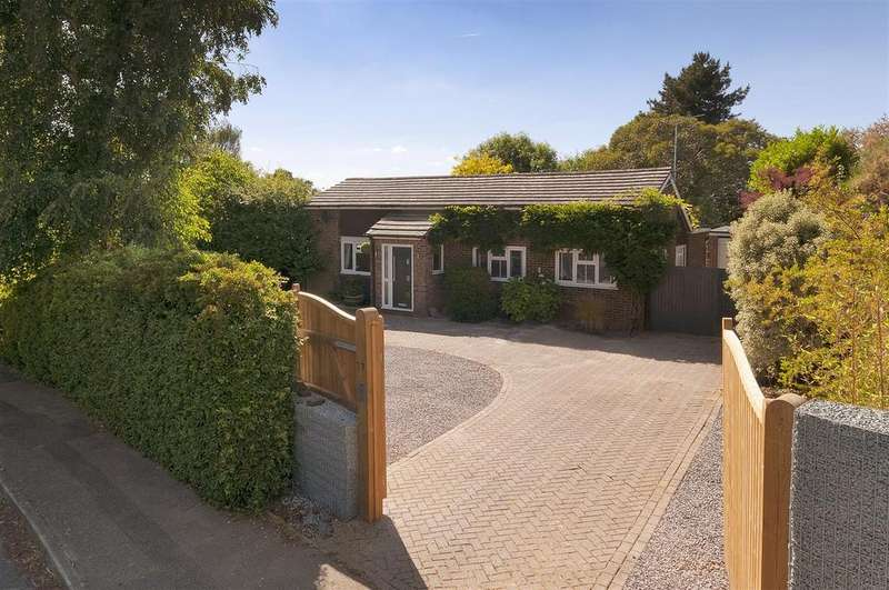 4 Bedrooms Bungalow for sale in Gorse Crescent, Ditton, Aylesford