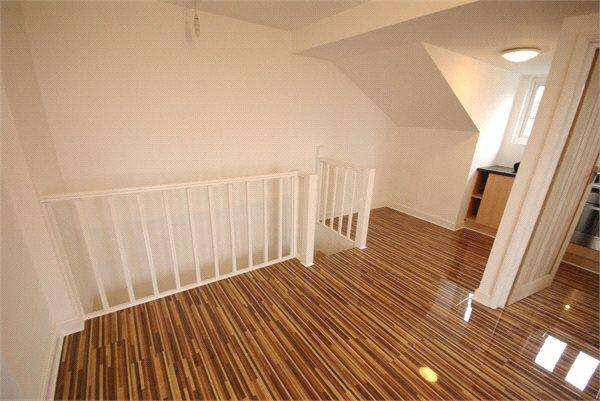 1 Bedroom Apartment Flat for sale in St Albans Road, Watford, Hertfordshire, WD17