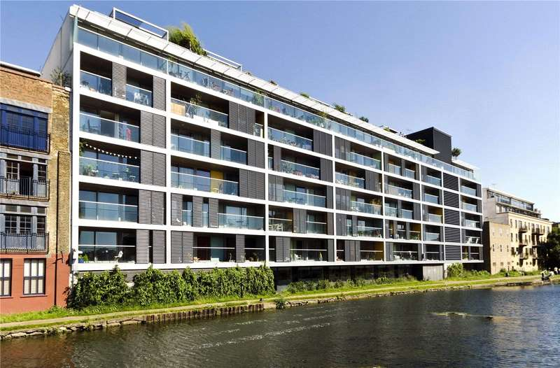1 Bedroom Flat for sale in Copperfield Road, Bow, London, E3