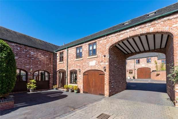 3 Bedrooms Mews House for sale in St Mary's Barns, Weeford, Lichfield, Staffordshire