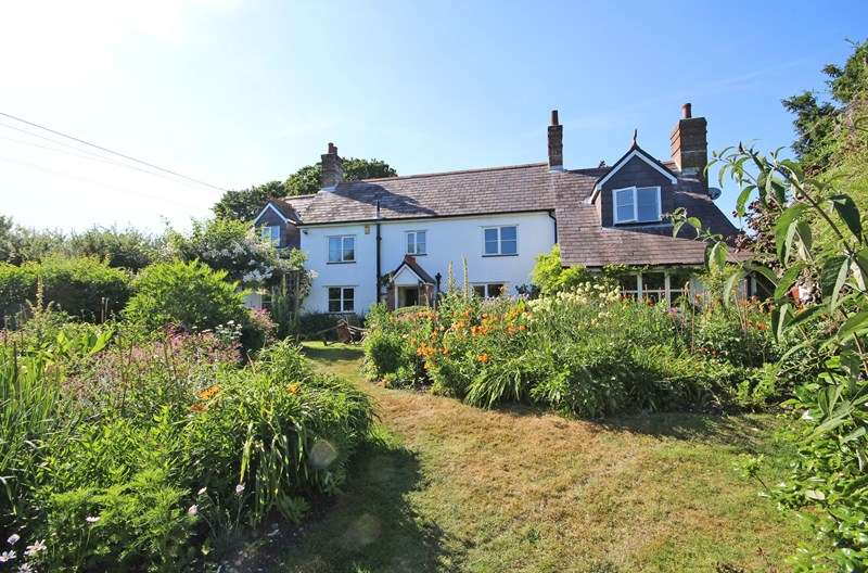 4 Bedrooms Detached House for sale in Beckley, Christchurch
