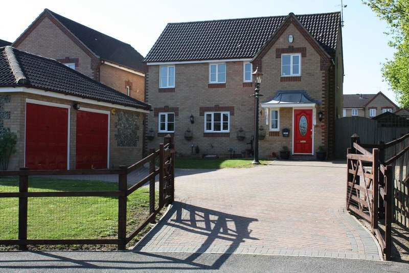4 Bedrooms Detached House for sale in Constable Road, Haverhill CB9