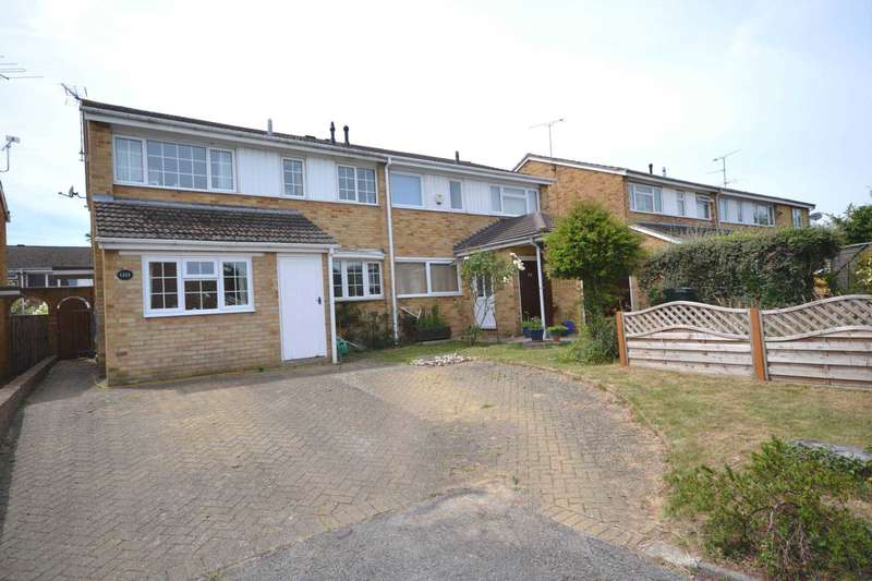 3 Bedrooms Semi Detached House for sale in Osterley Drive, Caversham Park