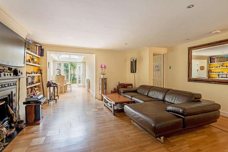 2 Bedrooms Apartment Flat for sale in BELGRAVE GARDENS, ST JOHN'S WOOD, NW8 0RB