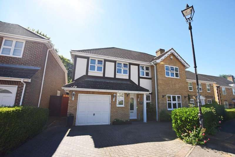 4 Bedrooms Detached House for sale in Lamplighters Close, Hempstead, Gillingham, ME7
