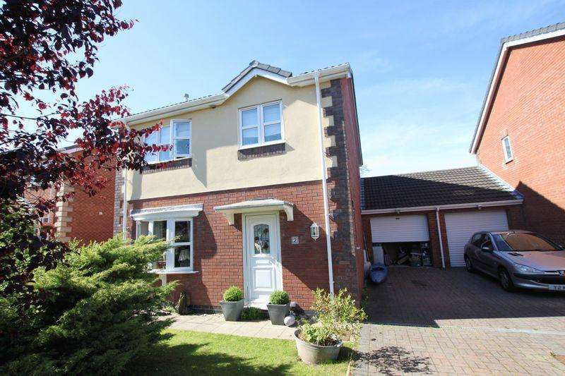 3 Bedrooms Detached House for sale in Llanfairpwll, Anglesey