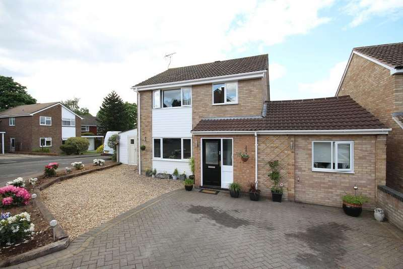 4 Bedrooms Detached House for sale in Tawfield