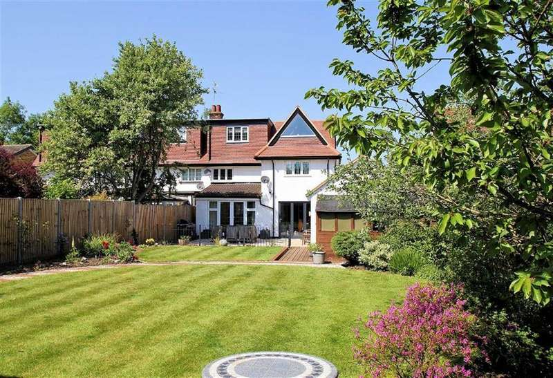 4 Bedrooms Semi Detached House for sale in Gun Road, Knebworth, SG3 6BP
