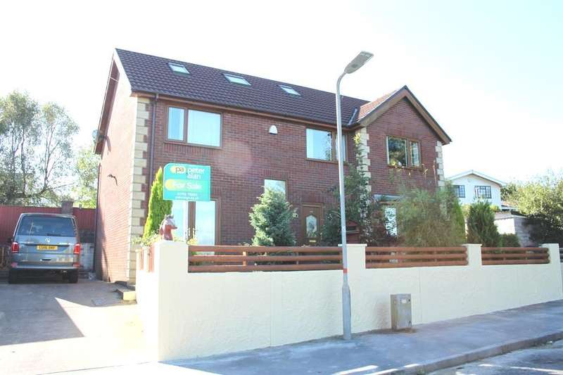4 Bedrooms Detached House for sale in Heol Fach, Llangyfelach, Swansea