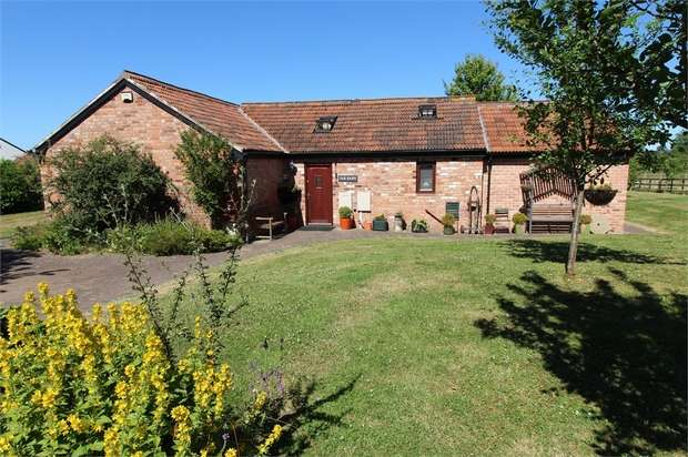 4 Bedrooms Detached House for sale in Far Barn, Cedars Courtyard, High Street, Fleckney, Leicestershire