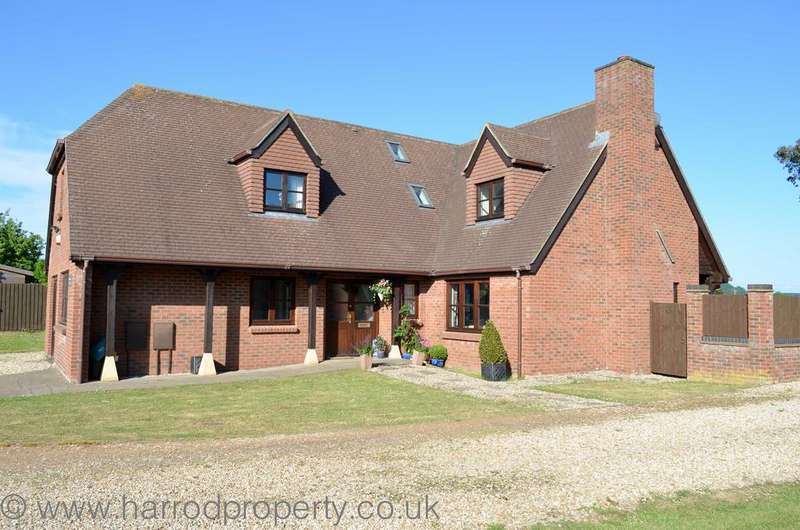 4 Bedrooms Detached House for sale in Coxley, Wells BA5