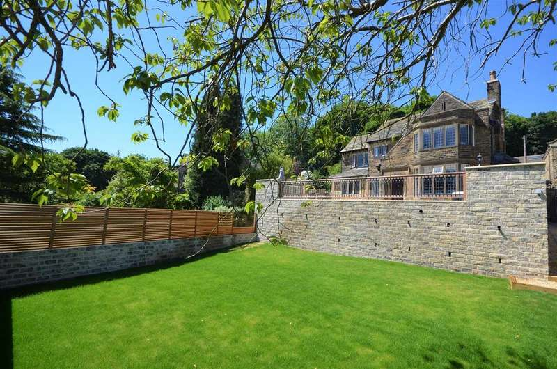 4 Bedrooms Detached House for sale in High Gables, 38 Hough, Northowram, hx3 7bu