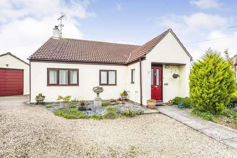 3 Bedrooms Bungalow for sale in Coopers Court, Kings Road, Sherborne