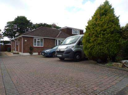 2 Bedrooms Bungalow for sale in Titchfield Common, Southampton