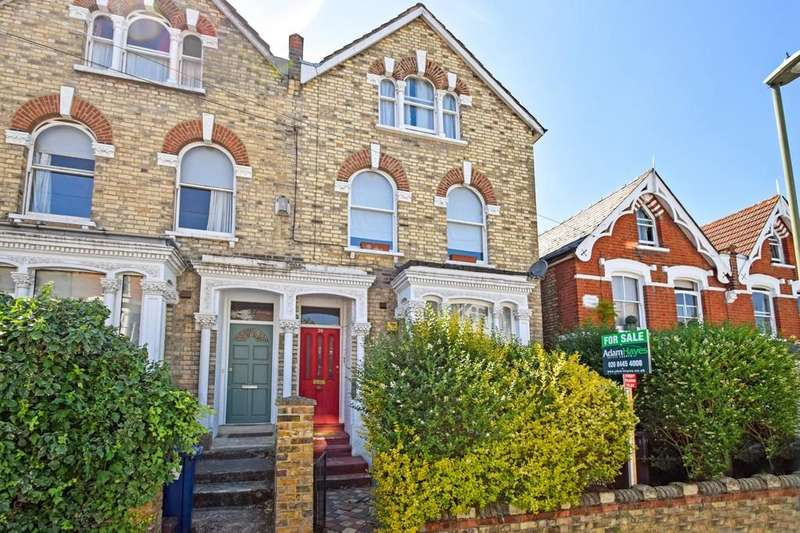 2 Bedrooms Ground Flat for sale in Bellevue Road, Friern Barnet, N11