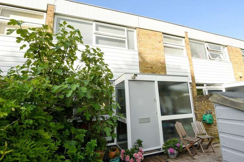 3 Bedrooms Terraced House for sale in The Plantation London SE3