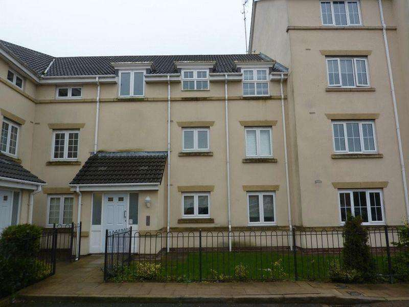 2 Bedrooms Apartment Flat for sale in Browsholme Court, Westhoughton, Bolton