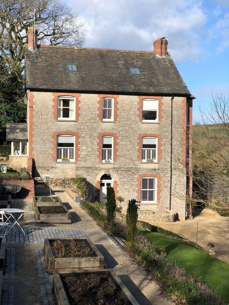 7 Bedrooms Detached House for sale in Combpyne, Axminster, Devon, EX13