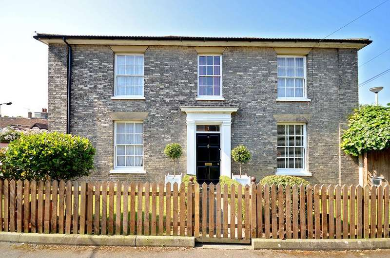 4 Bedrooms End Of Terrace House for sale in Ampthill Street, Norwich