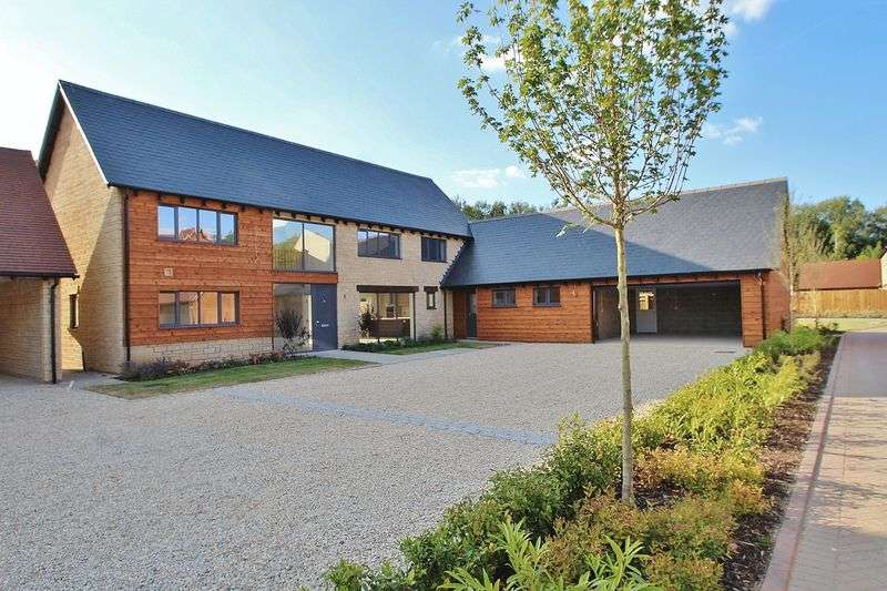 4 Bedrooms Property for sale in Park Farm Place, Standlake Road, Northmoor