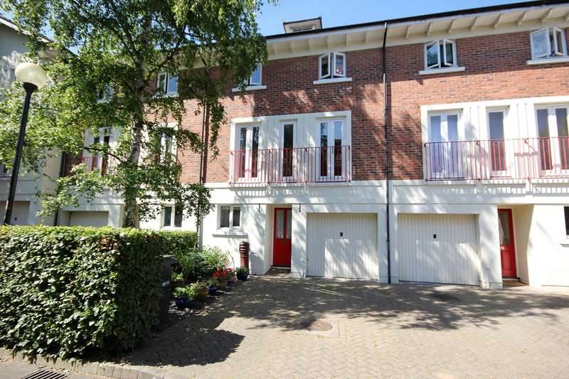 3 Bedrooms Town House for sale in Charter Place, Worcester, WR1