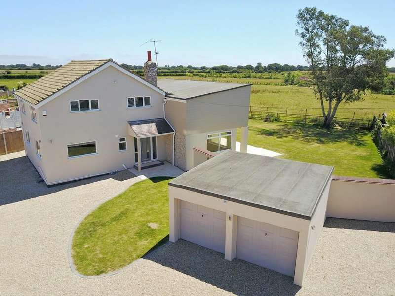 4 Bedrooms Detached House for sale in Little Clacton, Clacton-on-Sea, CO16 9RS