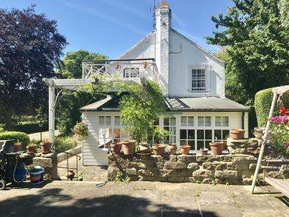 6 Bedrooms Detached House for sale in The Holme, Great Broughton, North Yorkshire, United Kingdom