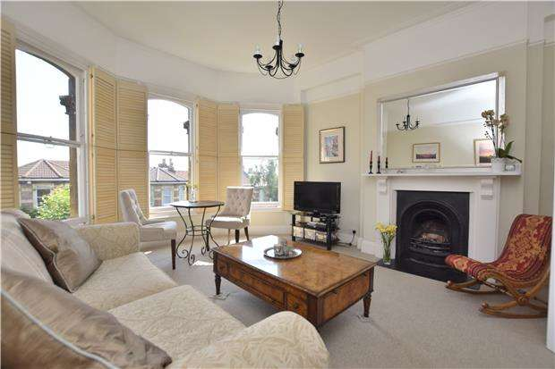3 Bedrooms Flat for sale in Beaconsfield Road, Clifton, BRISTOL, BS8 2TS
