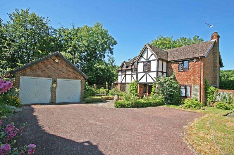 5 Bedrooms Detached House for sale in Bybend Close, Farnham Royal
