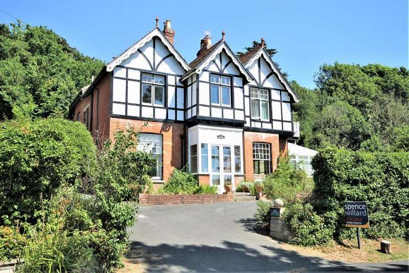 5 Bedrooms Detached House for sale in Afton Road, Freshwater Bay