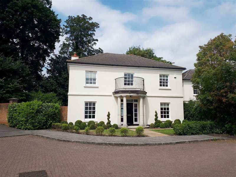 5 Bedrooms Detached House for sale in Clare Wood Drive, East Malling