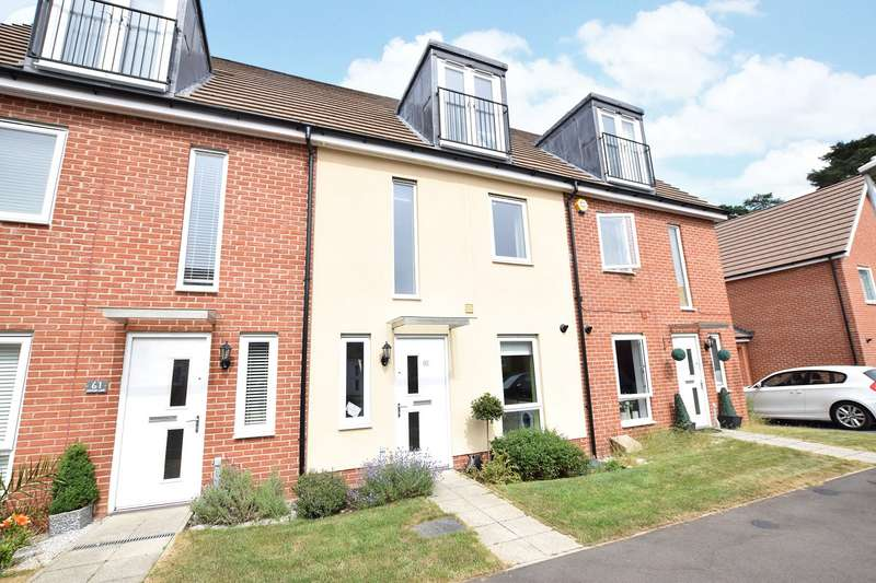 3 Bedrooms Terraced House for sale in Jaguar Lane, Bracknell, Berkshire, RG12