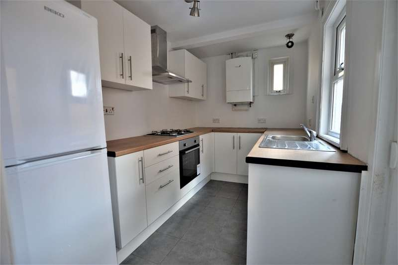 2 Bedrooms Terraced House for sale in Ledgers Road SL1