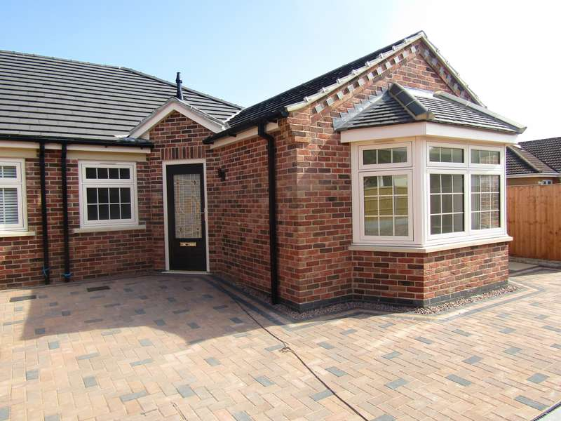3 Bedrooms Bungalow for sale in Stonald Road, Whittlesey, PE7