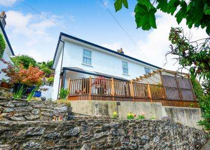 4 Bedrooms Semi Detached House for sale in Dartmouth, Devon