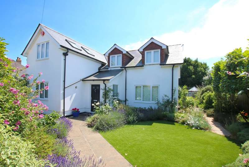 3 Bedrooms Detached House for sale in Stanley Road, Lymington, Hampshire