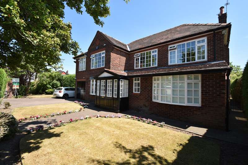 4 Bedrooms Detached House for sale in Hillingdon Road, Whitefield, Manchester, M45