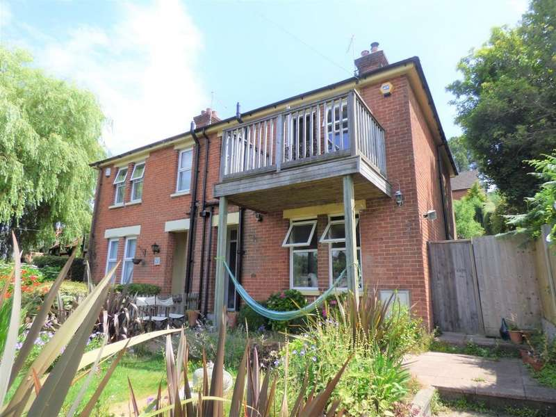 3 Bedrooms Semi Detached House for sale in Guest Avenue, Branksome