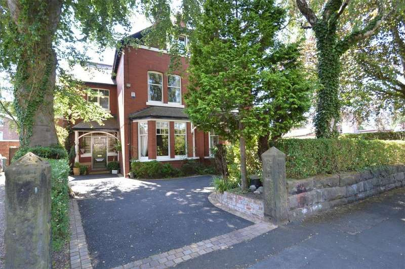 5 Bedrooms Semi Detached House for sale in Trinity Road, SALE, Cheshire